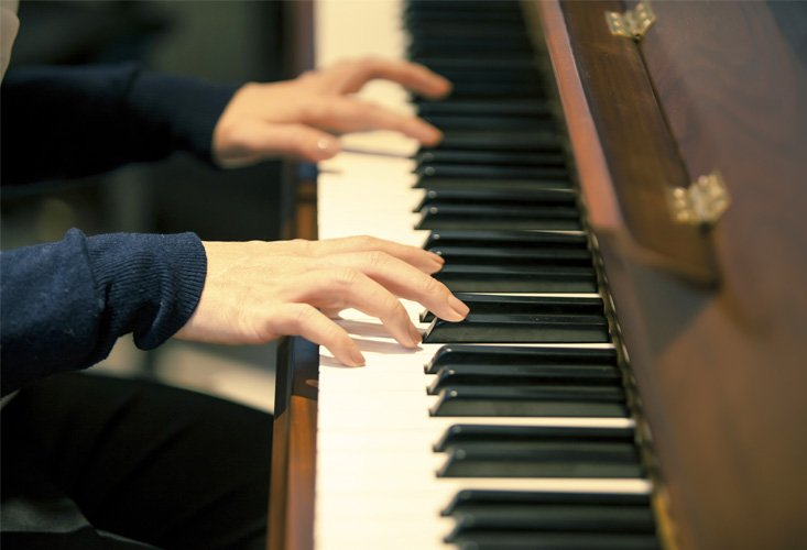 crescendo-music-studio-thumbnail-piano-1