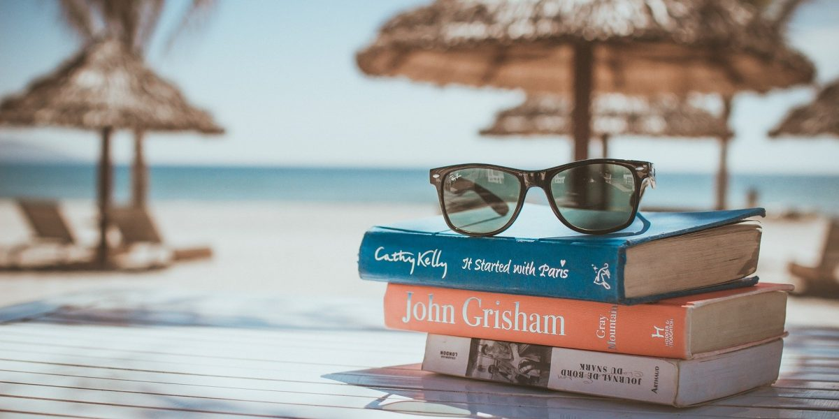 holiday english reading books by the sea